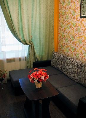 2-комнатная квартира посуточно в Одессе. Приморский район, ул. Льва Толстого. Фото 1