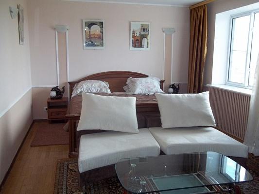 4-комнатная квартира посуточно в Одессе. Приморский район, ул. Базарная, 1. Фото 1