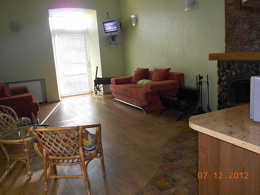 1-комнатная квартира посуточно в Каменце-Подольском. ул. Татарская, 16. Фото 1