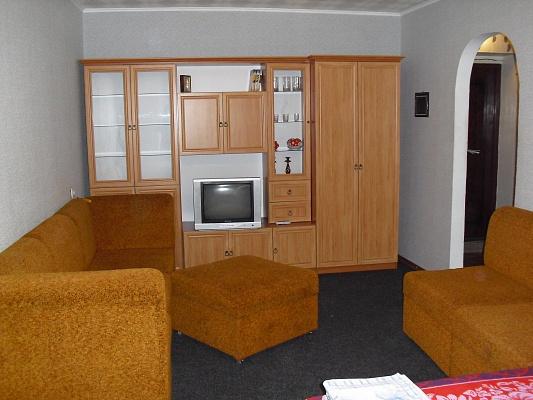 1-комнатная квартира посуточно в Алчевске. ул. Калинина, 2. Фото 1