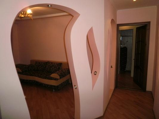 2-комнатная квартира посуточно в Черновцах. Первомайский район, ул.Салтыкова Щедрина, 32. Фото 1