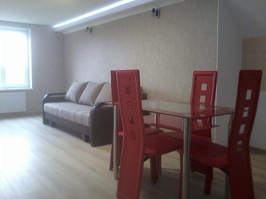 1-комнатная квартира посуточно в Вознесенске. ул. Зои Космодемьянской, 97. Фото 1