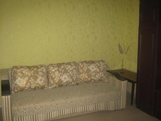 2-комнатная квартира посуточно в Мариуполе. б-р Комсомольский, 54. Фото 1