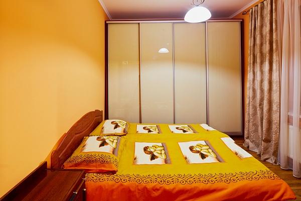 2-комнатная квартира посуточно в Львове. Галицкий район, ул. Гнатюка, 6. Фото 1