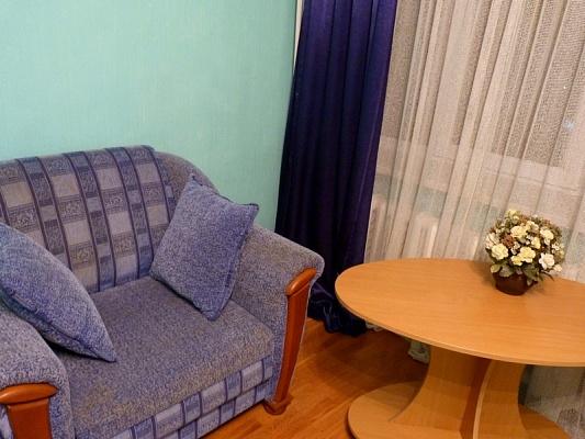 2-комнатная квартира посуточно в Киеве. Голосеевский район, ул. Антоновича (Горького), 152. Фото 1
