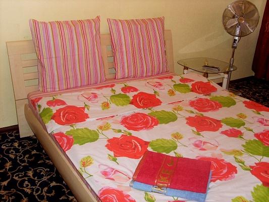 1-комнатная квартира посуточно в Черкассах. ул. Крещатик, 130. Фото 1