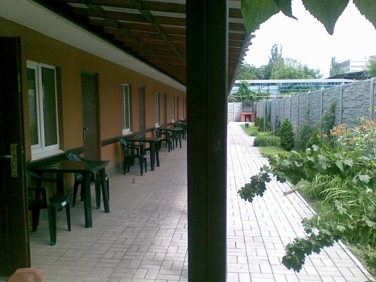 Комната  посуточно в Бердянске. ул. Энгельса, 19. Фото 1