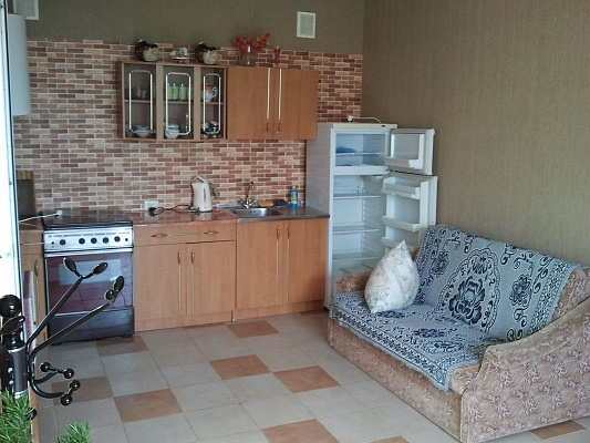 2-комнатная квартира посуточно в Севастополе. Гагаринский район, ул. Военная, 1. Фото 1