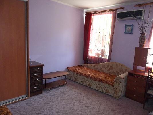 1-комнатная квартира посуточно в Феодосии. Феодосия, Феодосия, ул Советская, 25, 25. Фото 1