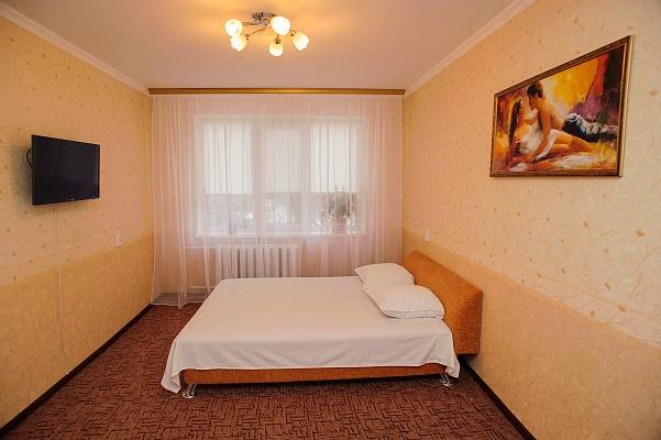 1-комнатная квартира посуточно в Черкассах. ул. Тараскова, 4. Фото 1