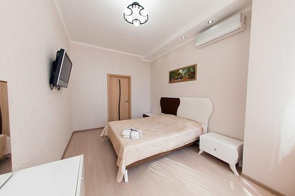 2-комнатная квартира посуточно в Одессе. Приморский район, Гагаринское Плато , 5а. Фото 1