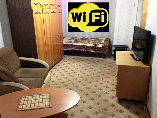 1-комнатная квартира посуточно в Симферополе. Центральный район, пр-т Кирова, 28. Фото 1