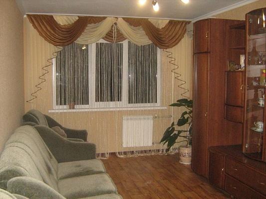 2-комнатная квартира посуточно в Алуште. ул. Симферопольская, 22. Фото 1