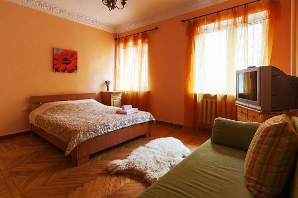 1-комнатная квартира посуточно в Одессе. Приморский район, ул. Еврейская, 6. Фото 1