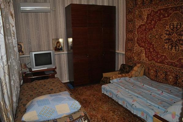 Дом  посуточно в Бердянске. ул. Свободы , 24. Фото 1