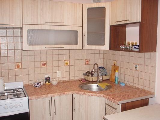 1-комнатная квартира посуточно в Луганске. Ленинский район, кв. Шевченко, 9. Фото 1
