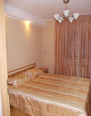 3-комнатная квартира посуточно в Киеве. Оболонский район, пр-т Оболонский, 10В. Фото 1