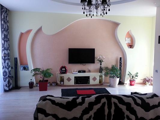 2-комнатная квартира посуточно в Одессе. Приморский район, ул. Педагогическая, 21. Фото 1