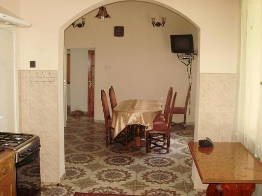 3-комнатная квартира посуточно в Берегово. Ив.Франка, 00. Фото 1