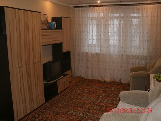2-комнатная квартира посуточно в Донецке. Куйбышевский район, пр-т Панфилова, 116. Фото 1