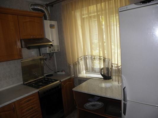 2-комнатная квартира посуточно в Ивано-Франковске. ул. Галицькая, 53. Фото 1