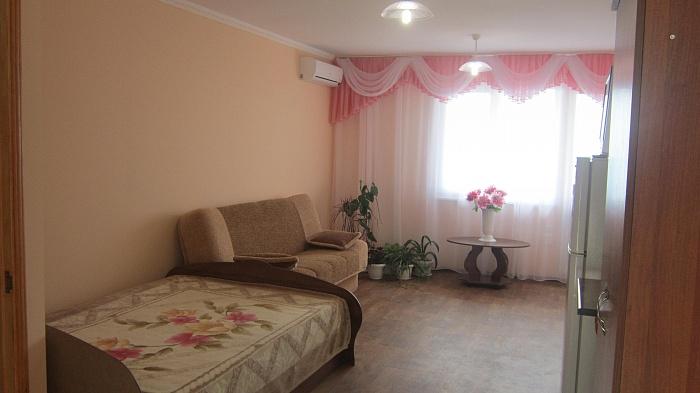 Мини-отель  посуточно в Алупке. ул. Красногвардейская , 24. Фото 1