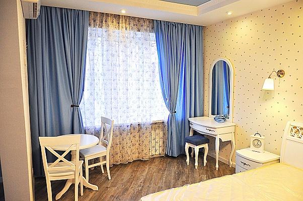 1-комнатная квартира посуточно в Киеве. Подольский район, ул. Сковороды, 3. Фото 1