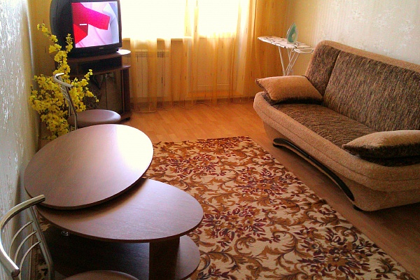 1-комнатная квартира посуточно в Керчи. ул. Cморжевского, 1. Фото 1