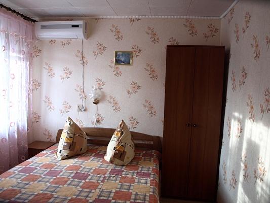 Дом  посуточно в Евпатории. ул. Симферополская, 72. Фото 1