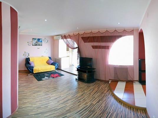 1-комнатная квартира посуточно в Николаеве. Центральный район, пр-т Центральный (Ленина), 171. Фото 1
