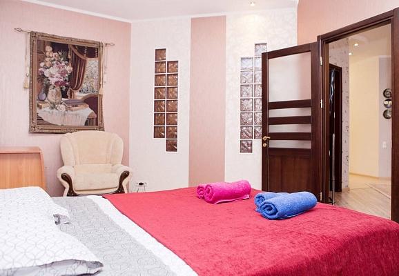 3-комнатная квартира посуточно в Одессе. Приморский район, ул. Среднефонтанская, 19Б. Фото 1
