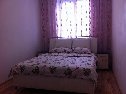 2-комнатная квартира посуточно в Трускавце. ул. Дрогобицкая, 10б. Фото 1