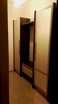 1-комнатная квартира посуточно в Киеве. Оболонский район, ул. Лайоша Гавро, 9К. Фото 1