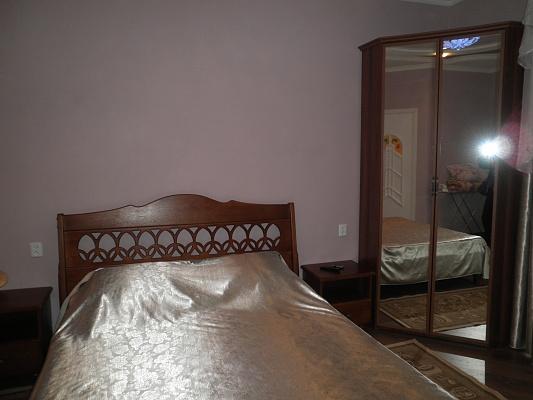 1-комнатная квартира посуточно в Алуште. ул. Карла Маркса, 15. Фото 1
