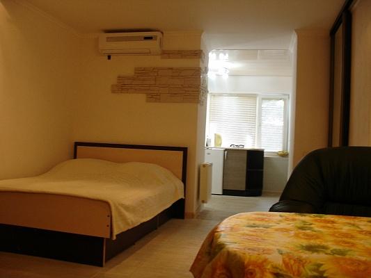 1-комнатная квартира посуточно в Одессе. Приморский район, ул. Екатериненская, 34. Фото 1
