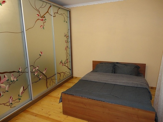 2-комнатная квартира посуточно в Трускавце. ул. Н. Лысенко, 17. Фото 1