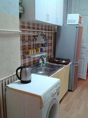 2-комнатная квартира посуточно в Одессе. Приморский район, ул. Садовая, 7. Фото 1