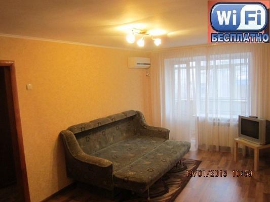 1-комнатная квартира посуточно в Кременчуге. ул. Октябрьская, 39/44. Фото 1