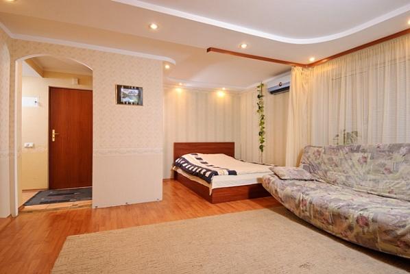 1-комнатная квартира посуточно в Киеве. Печерский район, б-р Леси Украинки, 28б. Фото 1
