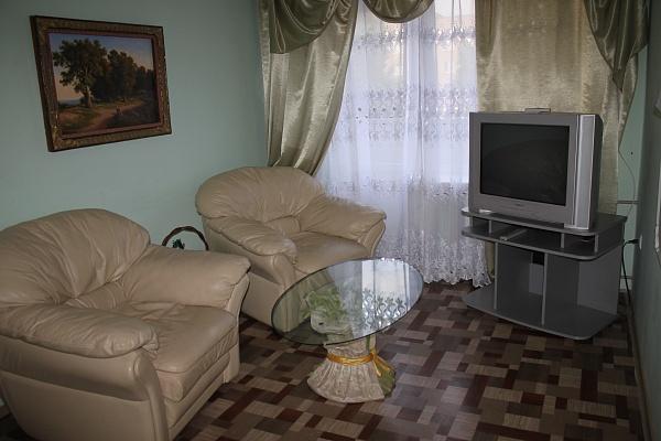 2-комнатная квартира посуточно в Алчевске. ул. Гагарина , 28. Фото 1