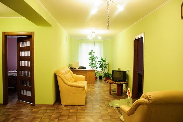 Мини-отель  посуточно в Кременчуге. ул. Ватутина, 24. Фото 1