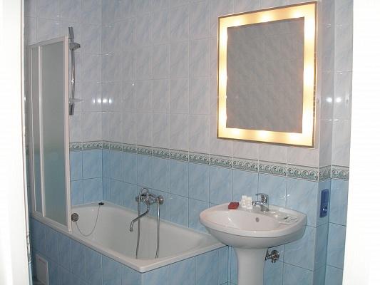 2-комнатная квартира посуточно в Львове. Лычаковский район, ул. Филатова, 9. Фото 1