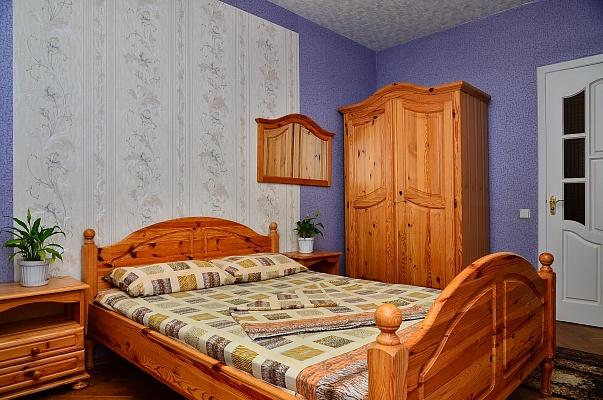 2-комнатная квартира посуточно в Киеве. Оболонский район, пр-т Героев Сталинграда, 36. Фото 1