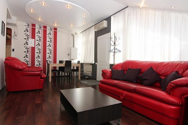 3-комнатная квартира посуточно в Одессе. Приморский район, ул. Бунина, 29. Фото 1