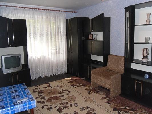 1-комнатная квартира посуточно в Мариуполе. б-р Богдана Хмельницкого, 25. Фото 1