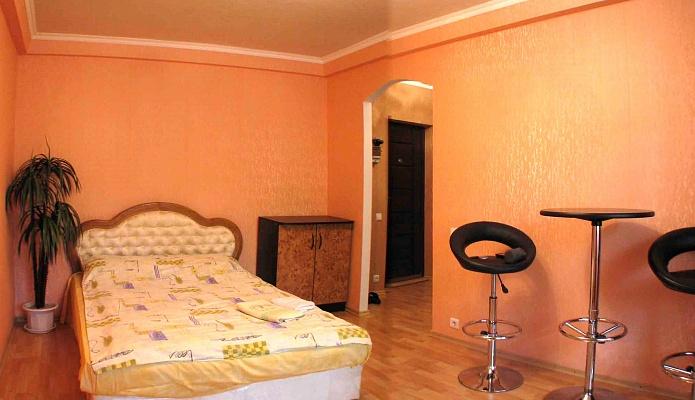 1-комнатная квартира посуточно в Донецке. Ворошиловский район, б-р Шевченко, 6а. Фото 1