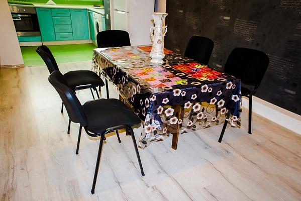 3-комнатная квартира посуточно в Черновцах. Шевченковский район, ул. Воробкевича, 3. Фото 1