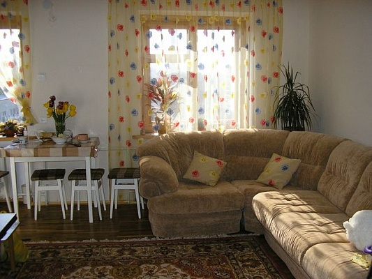 3-комнатная квартира посуточно в Бердянске. ул. Коммунаров, 58. Фото 1