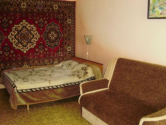 1-комнатная квартира посуточно в Очакове. ул. Курортная, 30. Фото 1