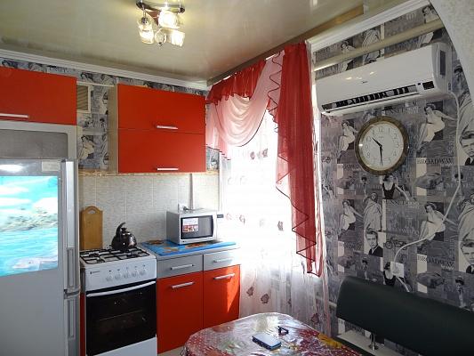 1-комнатная квартира посуточно в Макеевке. ул. Ленина, 45. Фото 1